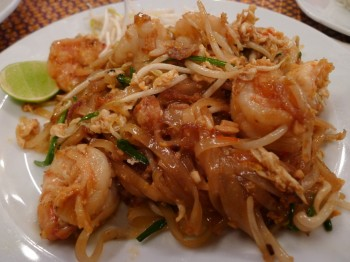 Phad thai with prawns