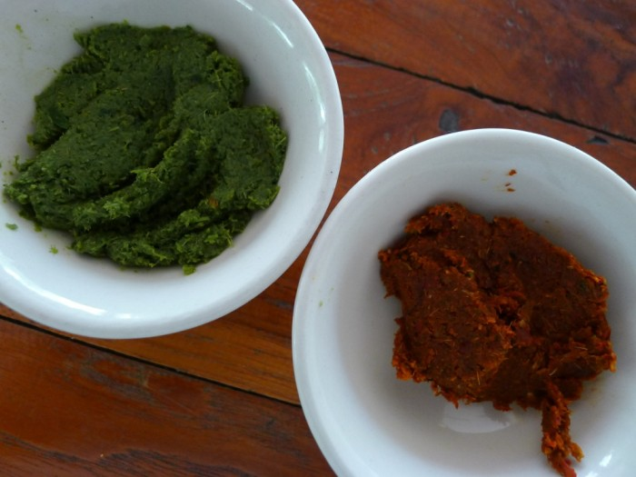 Green and red curry paste