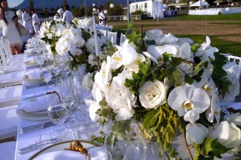 Diner en Blanc - table settings