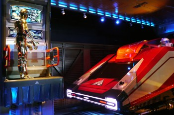 Disneyland - Star Tours - C3PO / R2D2
