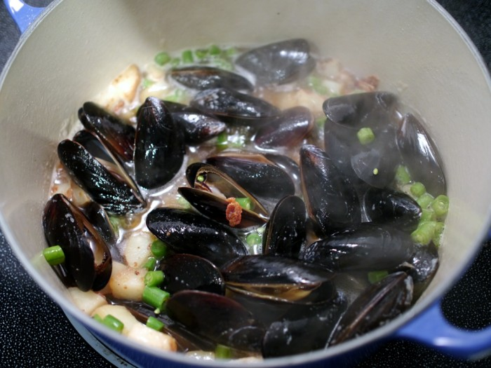 Recipe: Samuel Adams Beer-Steamed Clams With Bacon – #SamInHand ...
