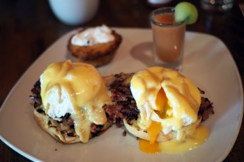 Elements - Montreal smoked meat benny