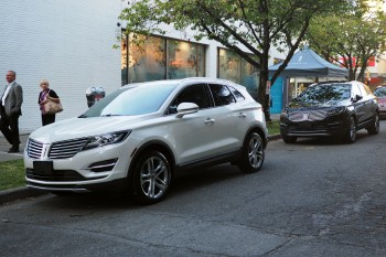 Lincoln MKC side