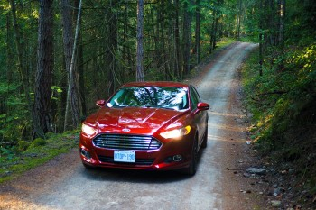 Ford Fusion SE front